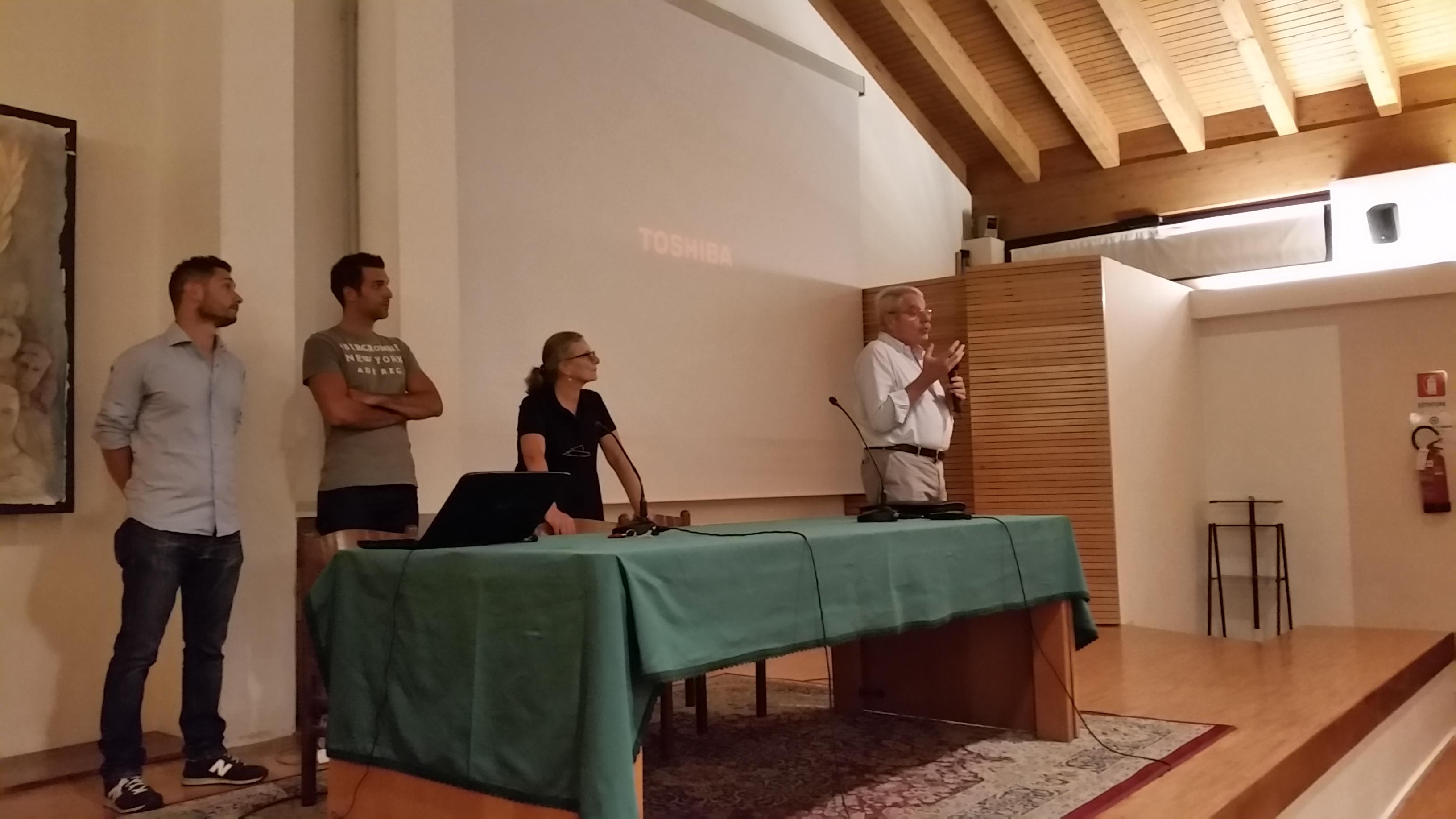 Foto della conferenza (1)